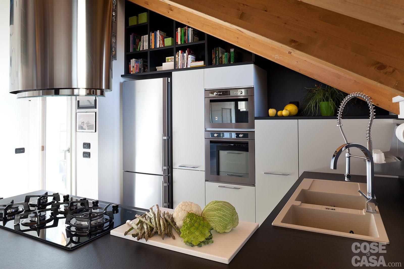 90 10 mq per una casa che sfrutta bene gli spazi cose di - Cucina con soppalco ...