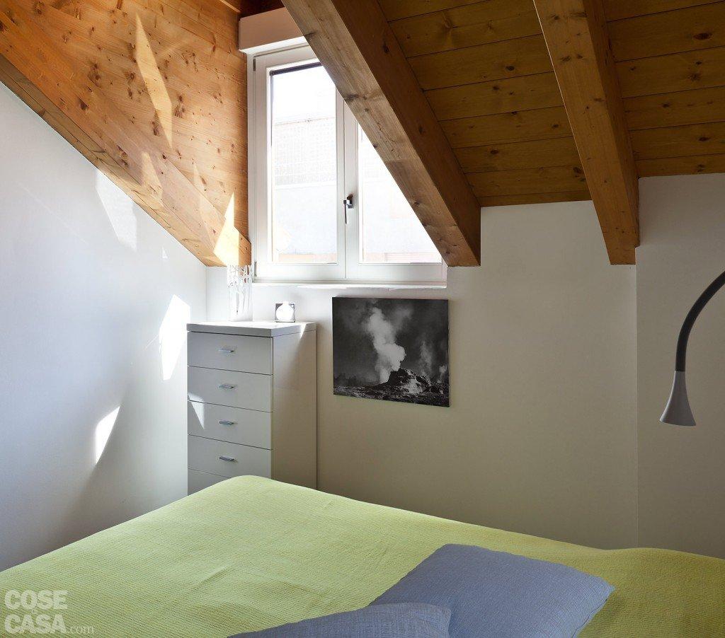 casa-cannella-fiorentini-letto-travi