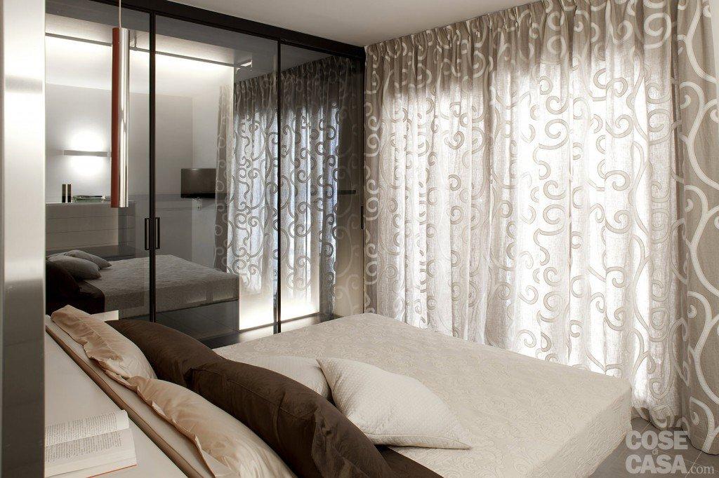 85 mq una casa per una famiglia giovane cose di casa - Specchio con piedistallo ...