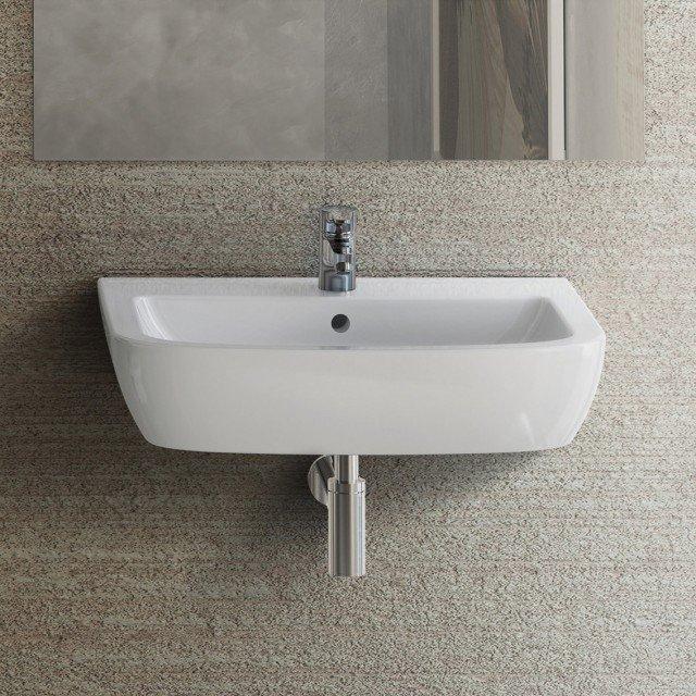 Ha una linea essenziale il lavabo sospeso Gemma 2 di Ceramica Dolomite in ceramica sanitaria bianca. Con troppopieno, è previsto per rubinetto monoforo. Misura L 60 x P 49,5 cm. Prezzo 89,50 euro. www.ceramicadolomite.it
