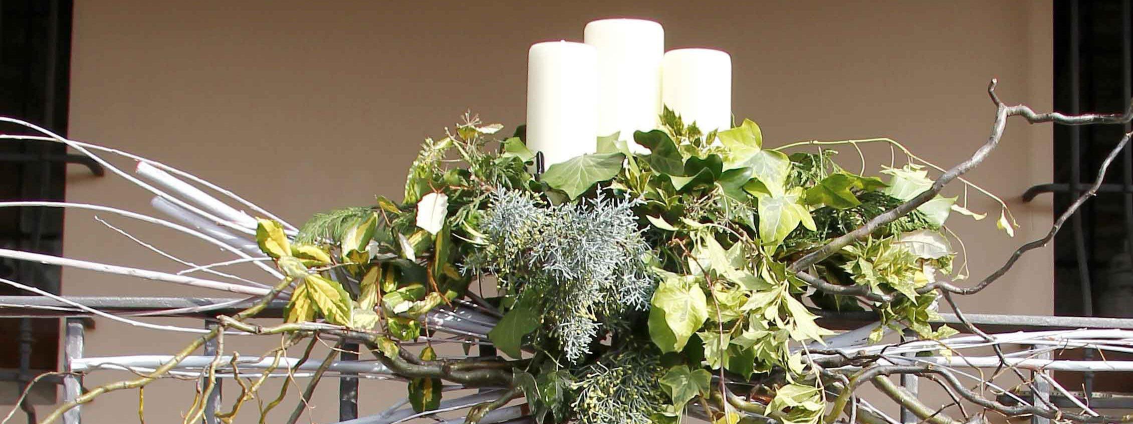 Decorazione natalizia per il balcone cose di casa for Decorazione vasi