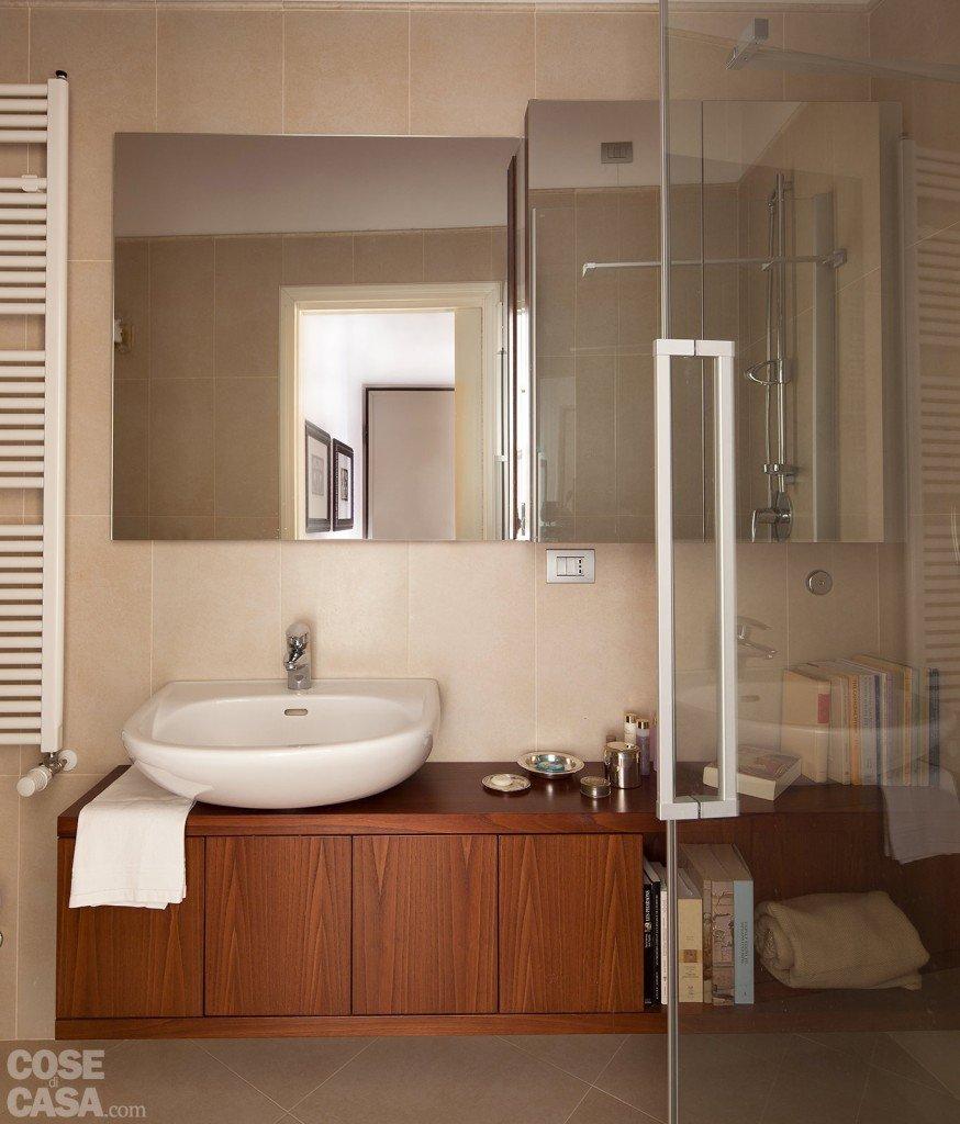 Un monolocale ampliato in altezza cose di casa - Costruire box doccia ...