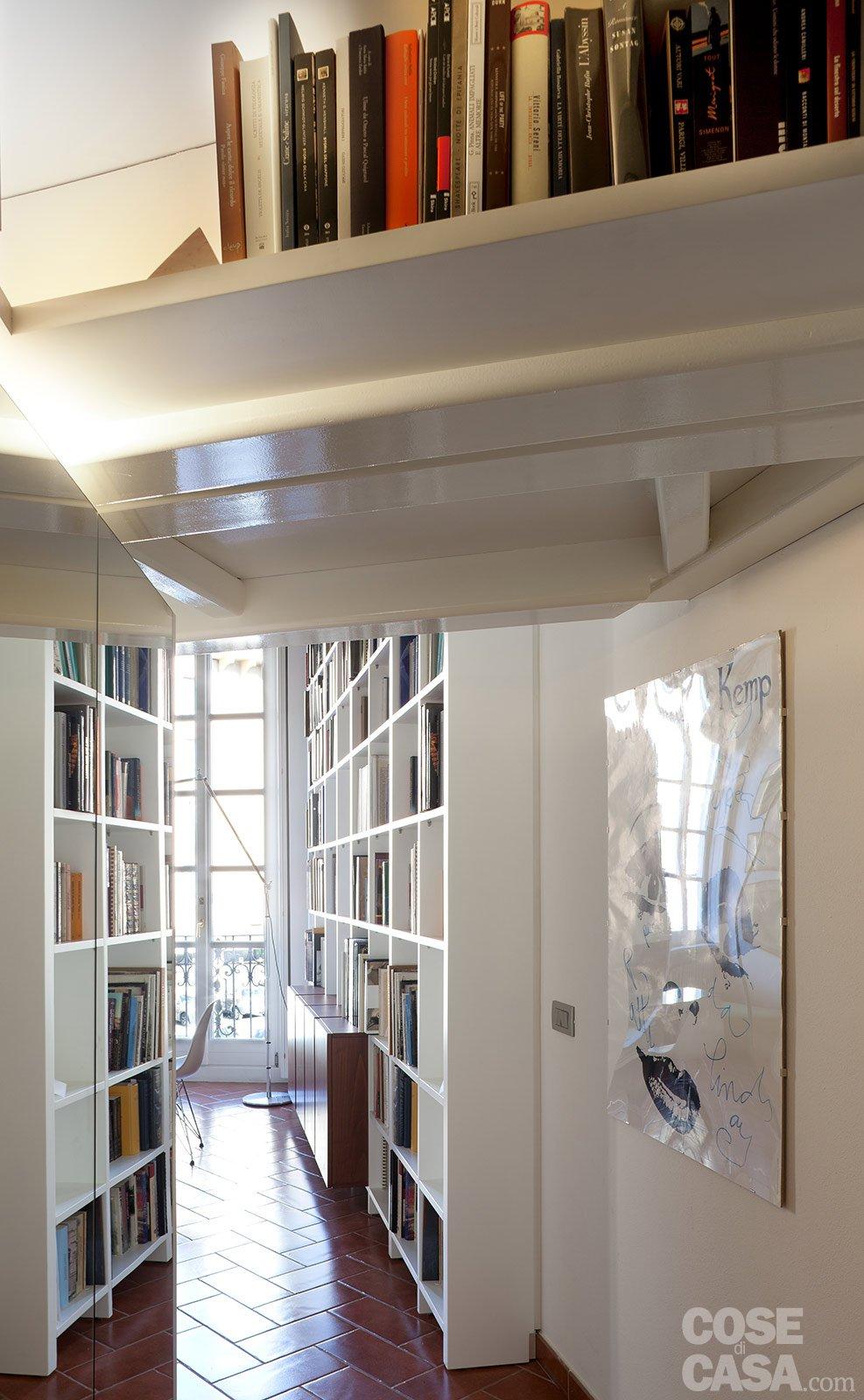 Un monolocale ampliato in altezza cose di casa - Altezza porta ingresso ...