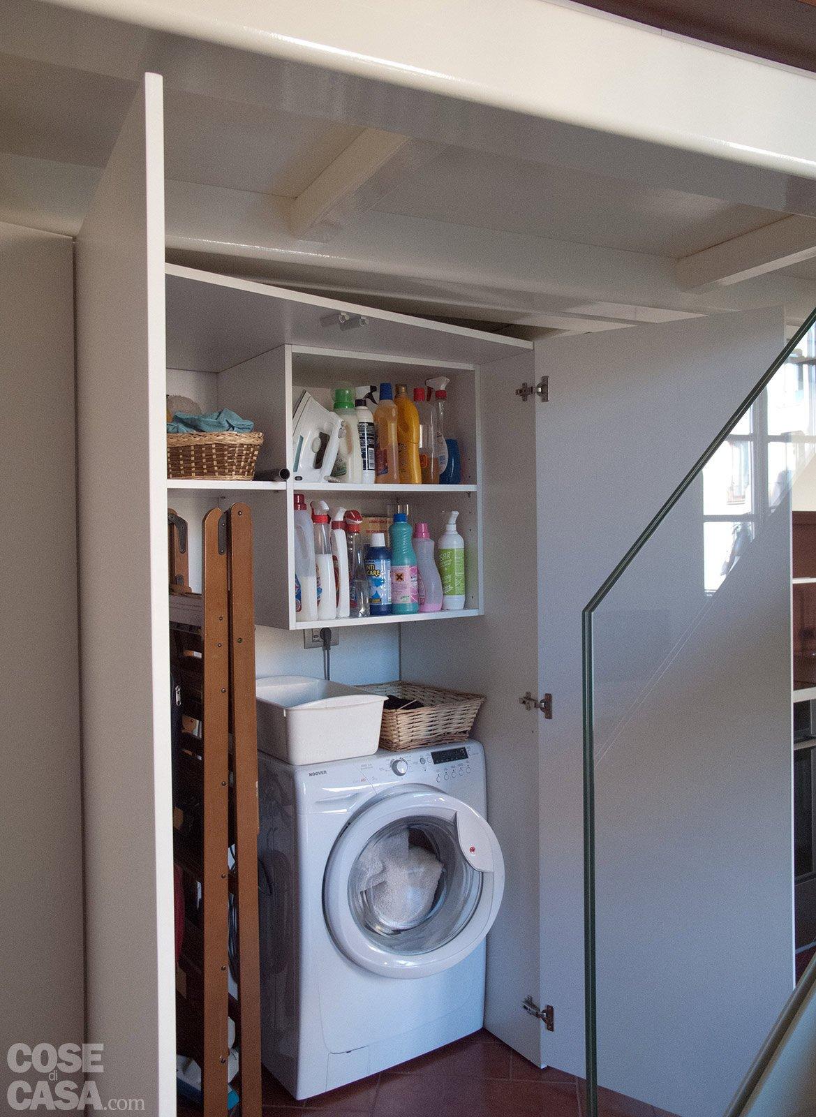 Un monolocale ampliato in altezza cose di casa for Lavatrice balcone