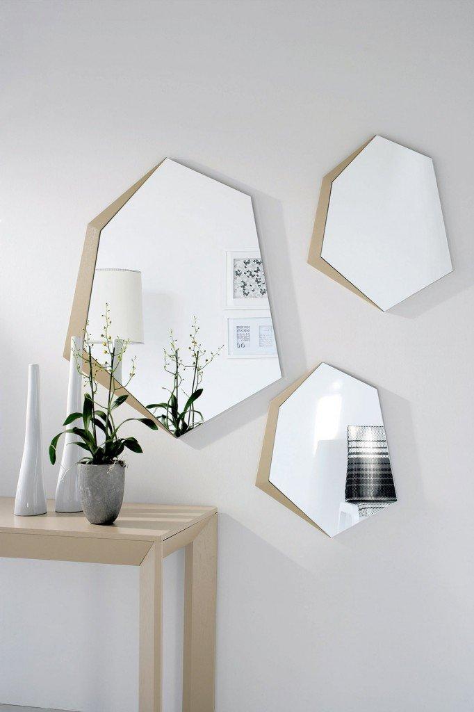 Specchi come elementi d 39 arredo cose di casa for Specchio da parete piccolo