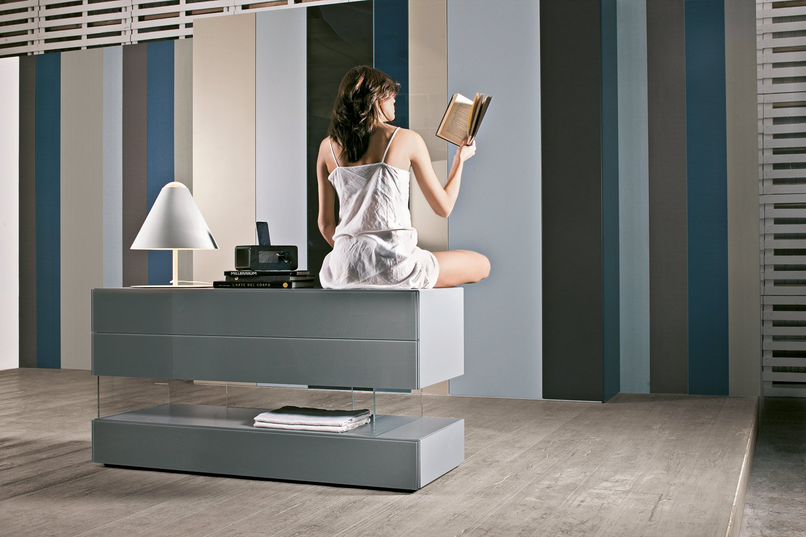 Cassettiere per tutti gli spazi cose di casa for Colori lago mobili