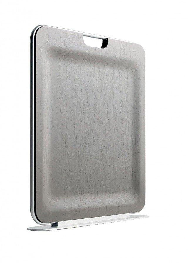 Sottile come un vassoio  e leggerissimo: questo foglio di legno è invece un radiatore portatile. Disponibile in finitura wengé, rovere bianco, sbiancato, nero, grigio d ebano. Potenza 350 W. Misura L 60 x P 20 x H 20 cm. Bag di I-Radium (costa 569 euro)