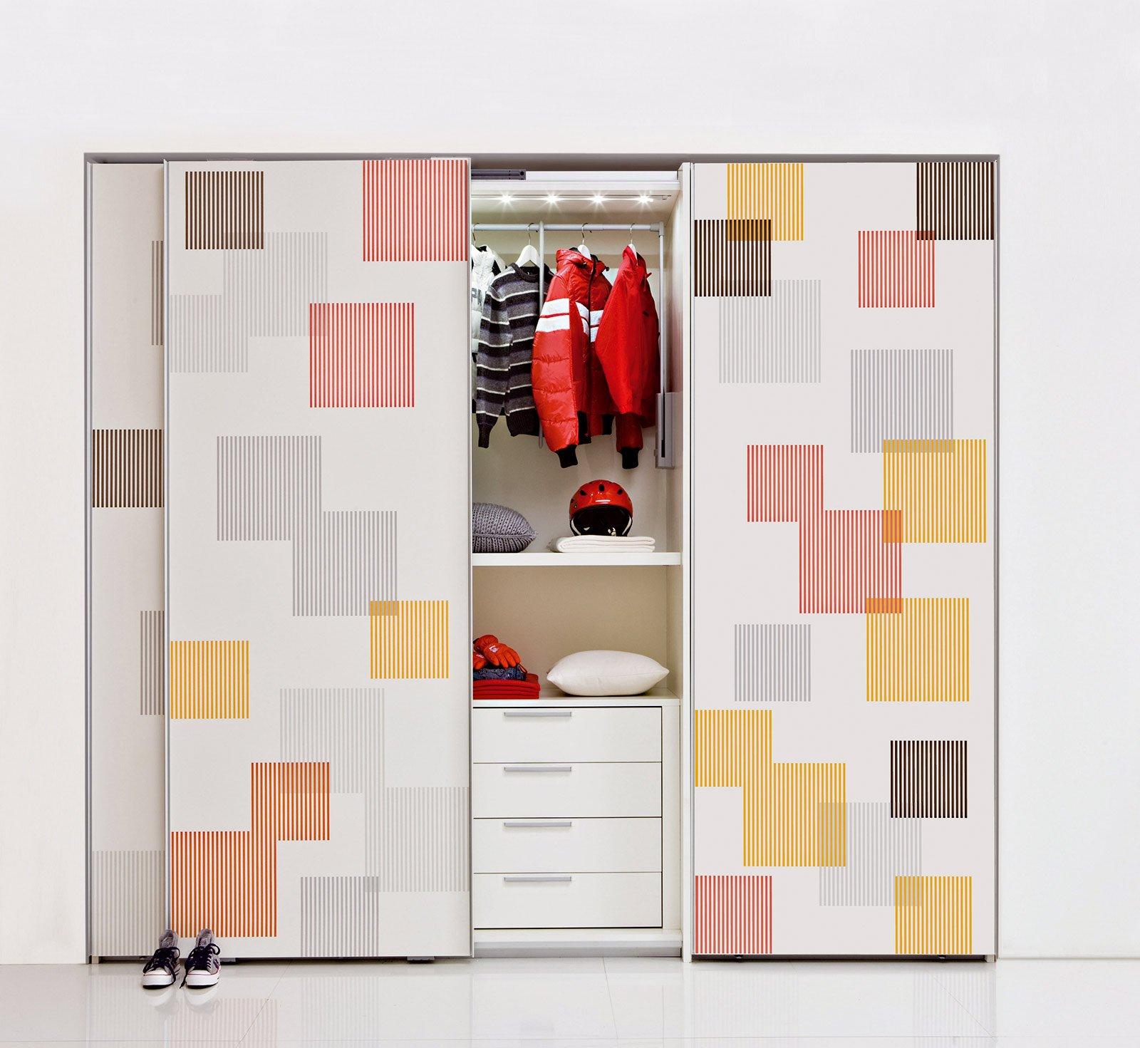 Armadi funzionali e ben organizzati cose di casa - Ante scorrevoli per cabine armadio ...