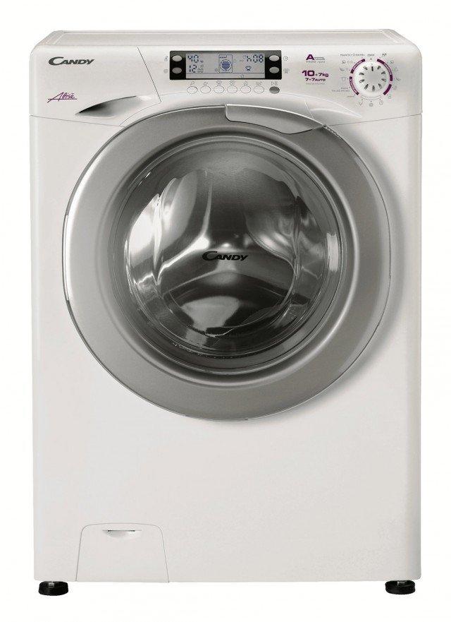 La lavasciuga GrandO' Evo EVOW 41074L lava fino a 10 kg di biancheria e ne asciuga fino a 7 kg e ha programma che consente di impostare contemporaneamente i programmi di lavaggio e di asciugatura(fino a 7kg+7kg). E' dotata di della tecnologia Mix Power System per lavare a 20° con le stesse performance di 40°. Misura L 60 x P 60 x H 85 cm. Prezzo 769 euro. www.candy.it