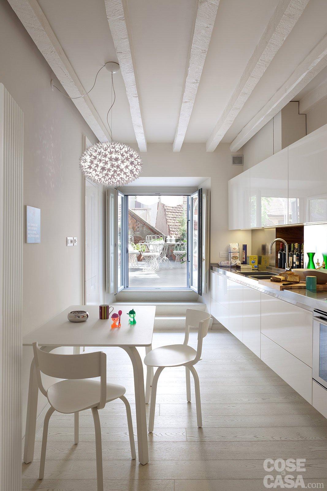 Spazio guadagnato per la casa di 63 mq cose di casa for Foto di cucina e soggiorno a pianta aperta