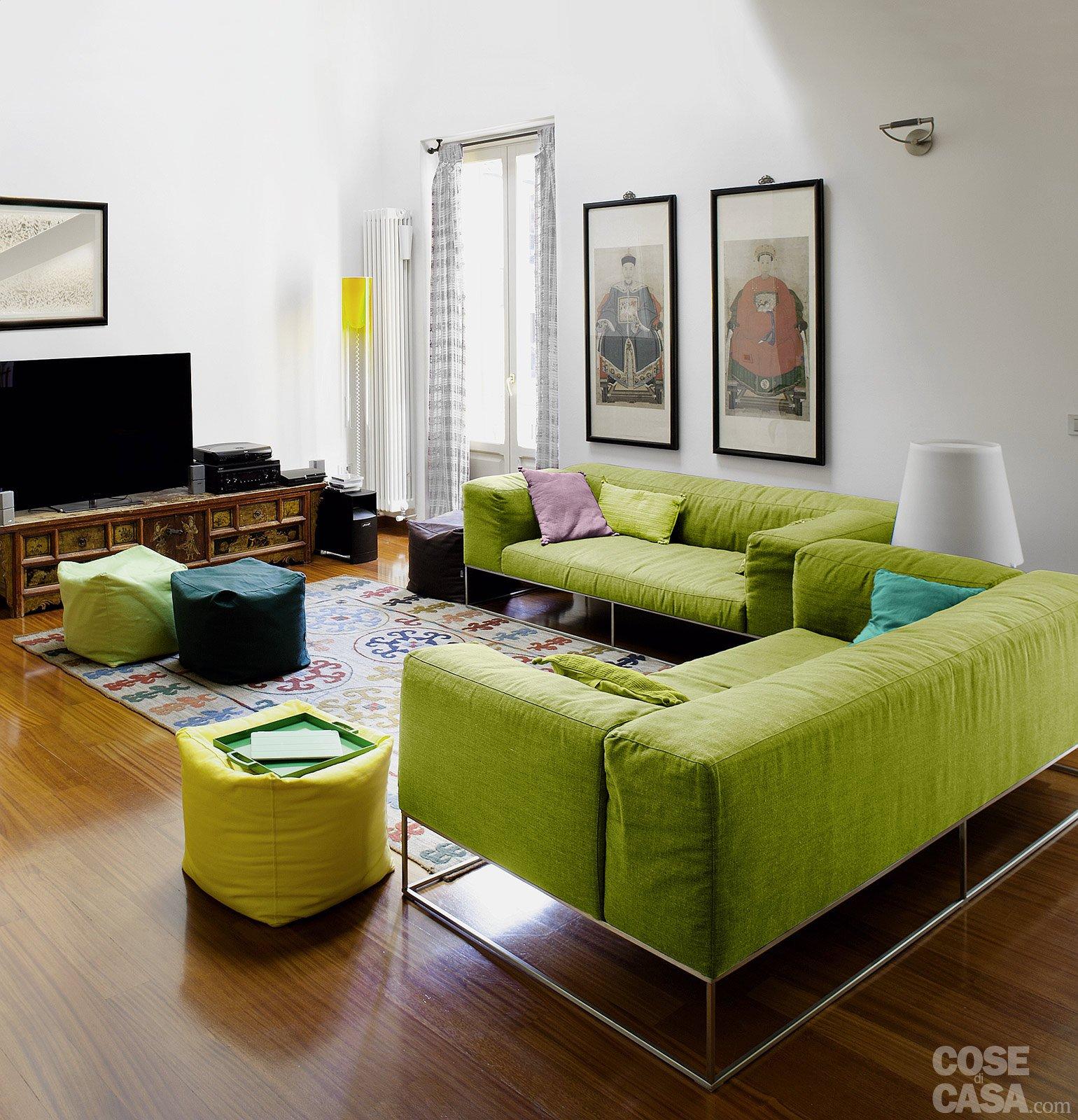 Excellent cool una casa con vani a scomparsa cose di casa mobile soggiorno angolare ikea with - Mobile soggiorno angolare ...