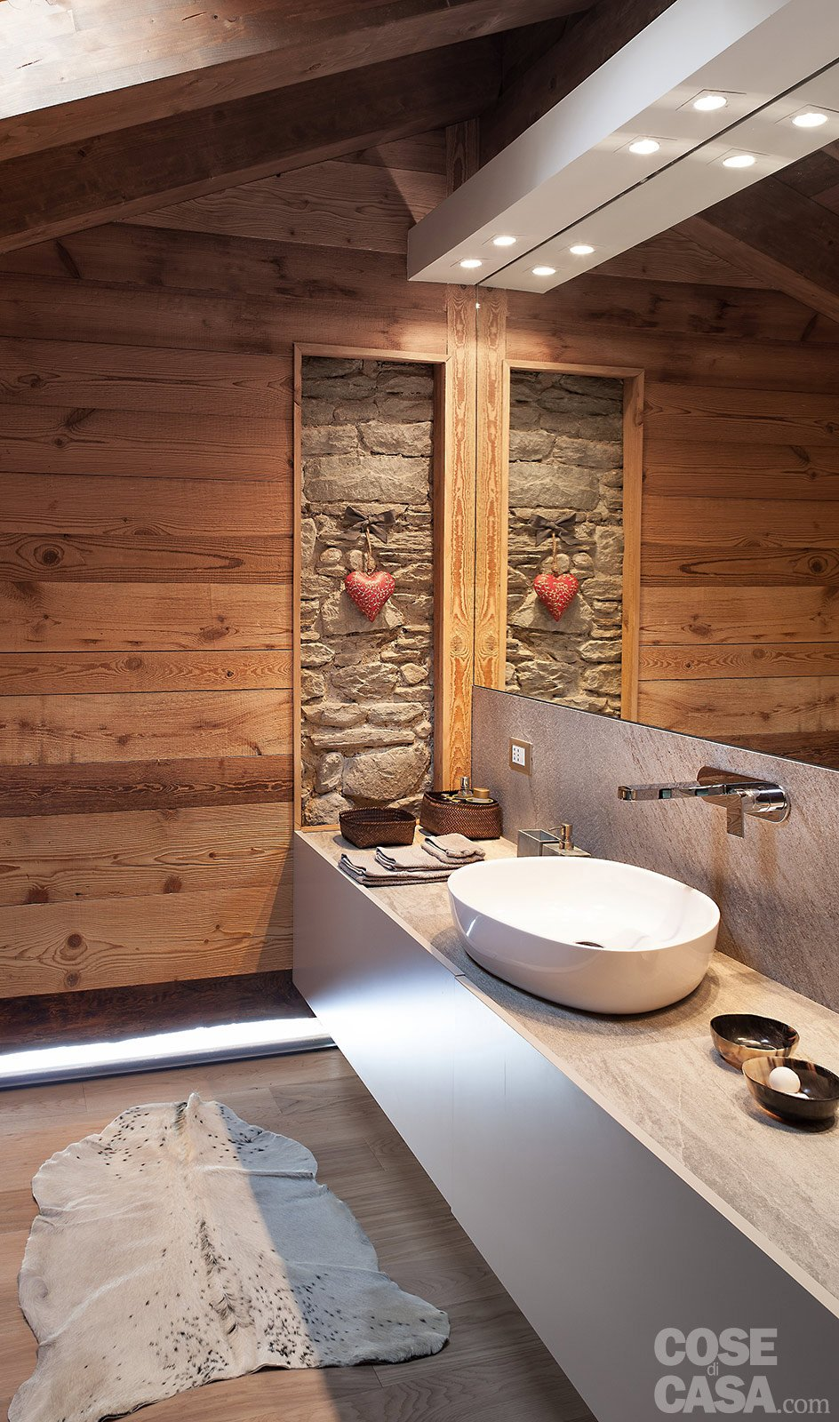Chalet moderno una casa di montagna in stile rustico contemporaneo cose di casa - Rivestimento bagno rustico ...