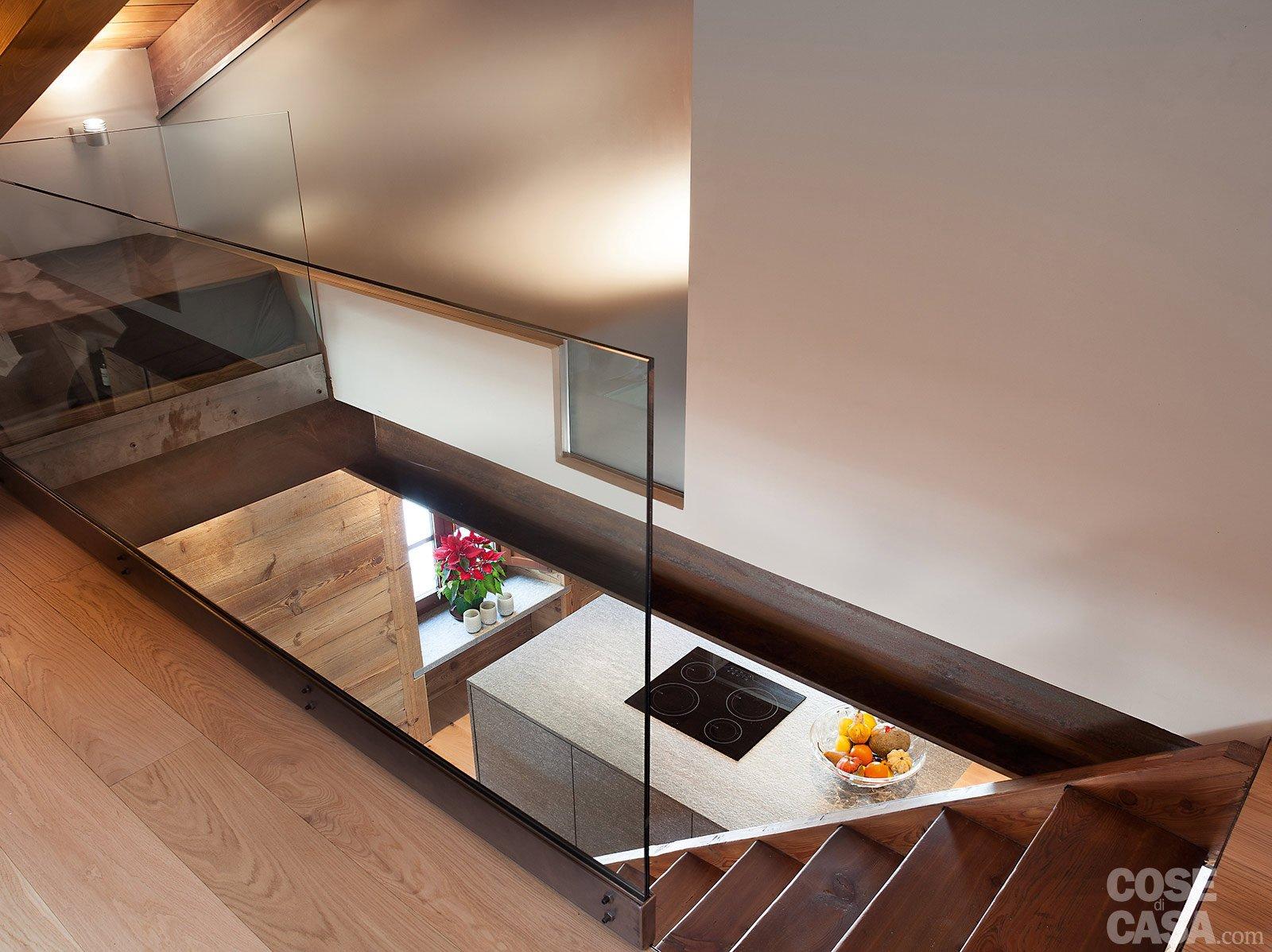 Atmosfera da chalet in una casa moderna cose di casa - Apertura solaio per scala interna ...