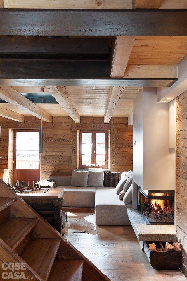 casa-fiorentini-soggiorno-camino