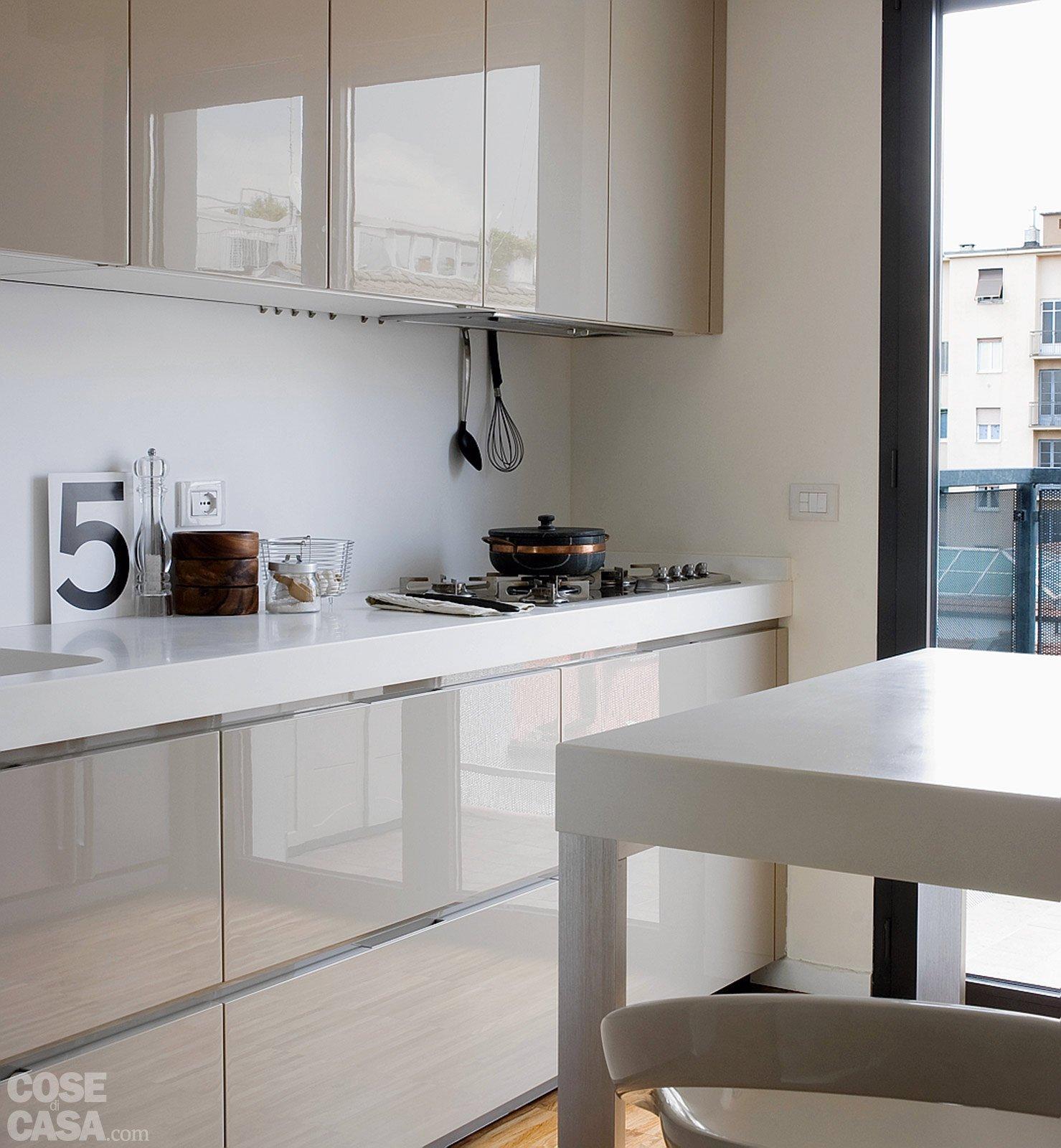 Una casa alla ricerca della luce cose di casa - Luce per cucina ...