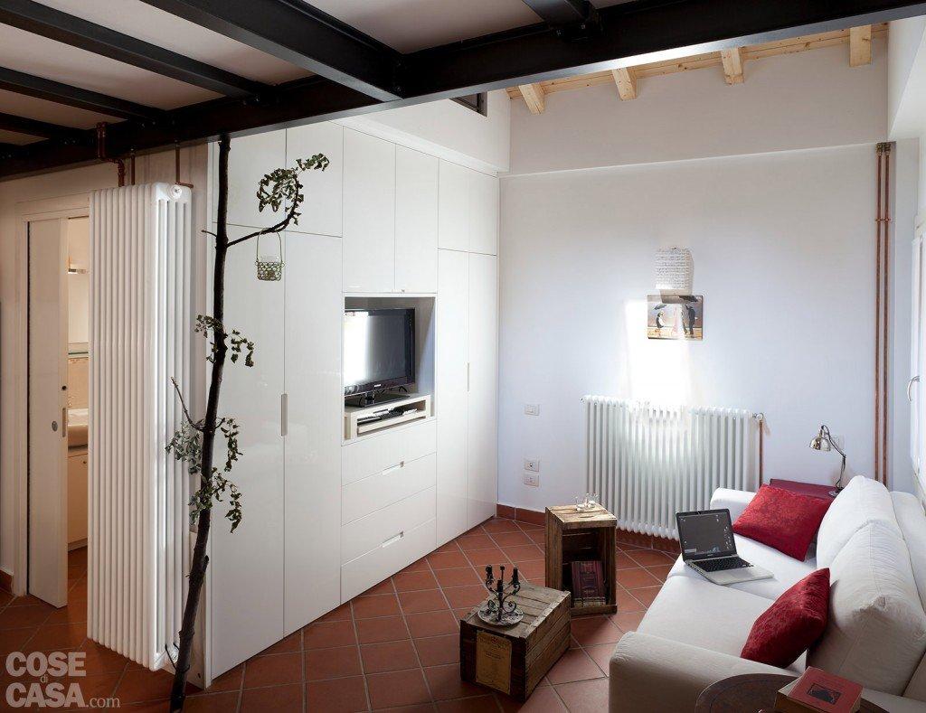 casa-fortunati-fiorentini-soggiorno-tv