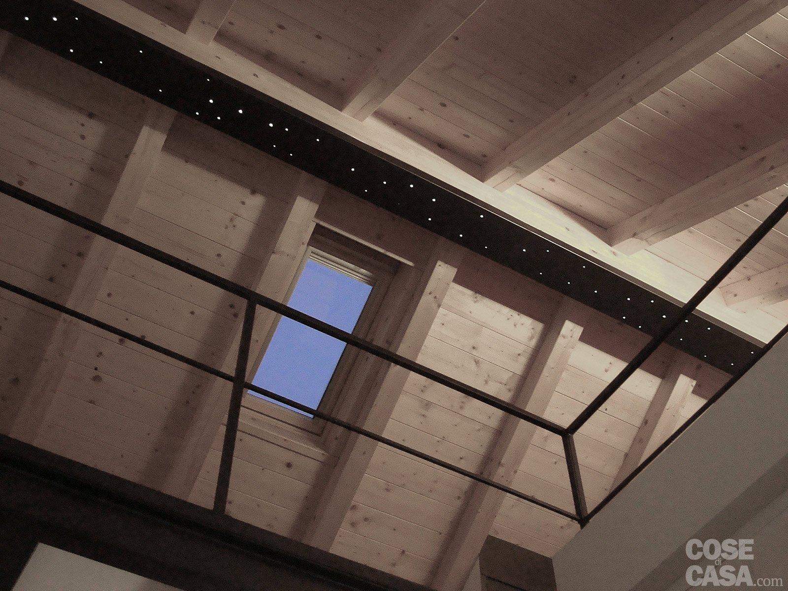 Da box a casa un incredibile trasformazione cose di casa - Illuminazione sottotetto legno ...