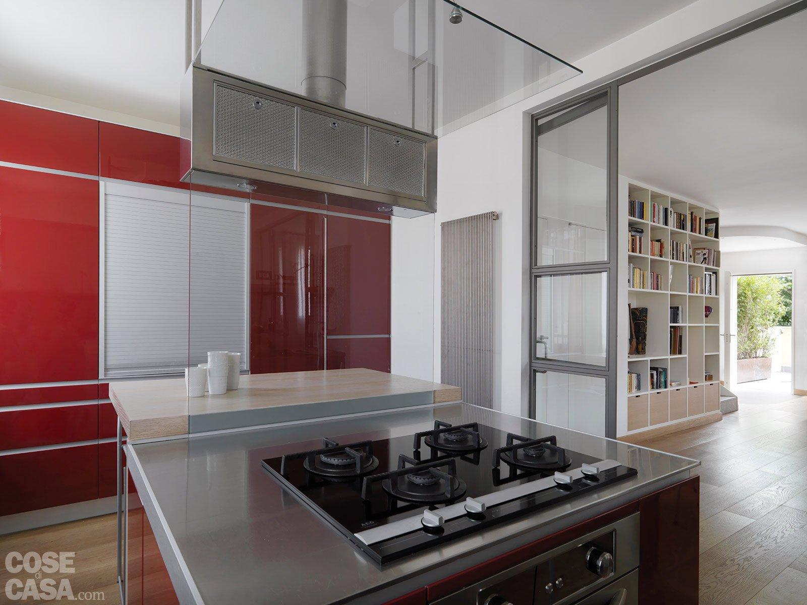 Una casa con zona giorno open space e camera sottotetto cose di casa - Creare in cucina d ...