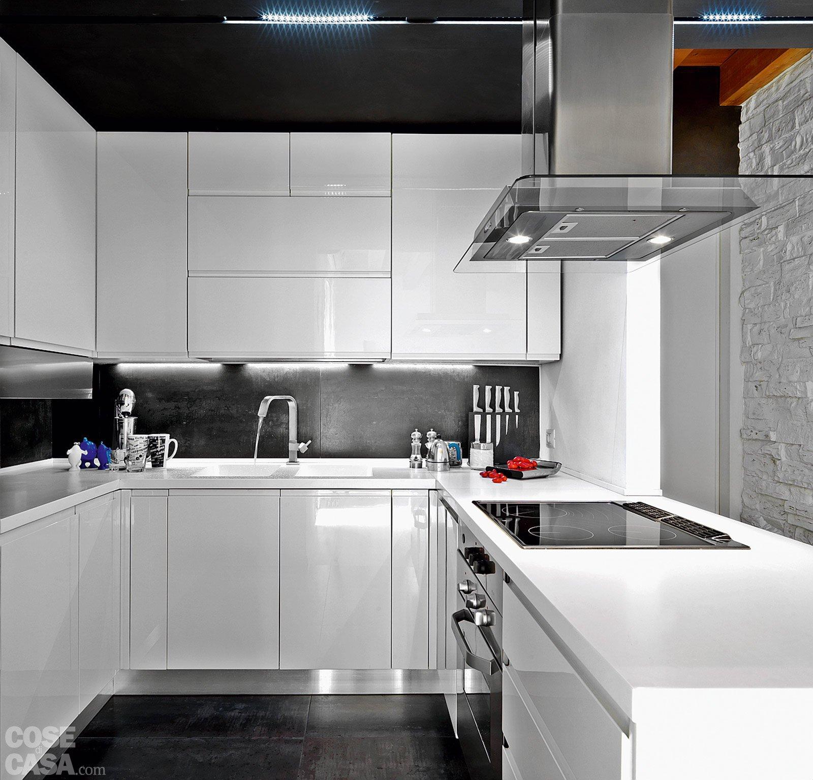 Casa con 10 trucchi 83 mq sembrano pi grandi cose di for Grandi isole di cucina