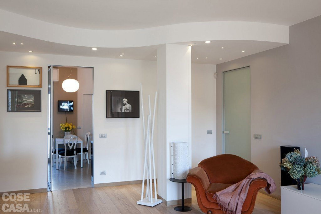 casa-pesaro-fiorentini-soggiorno-controsoffitto