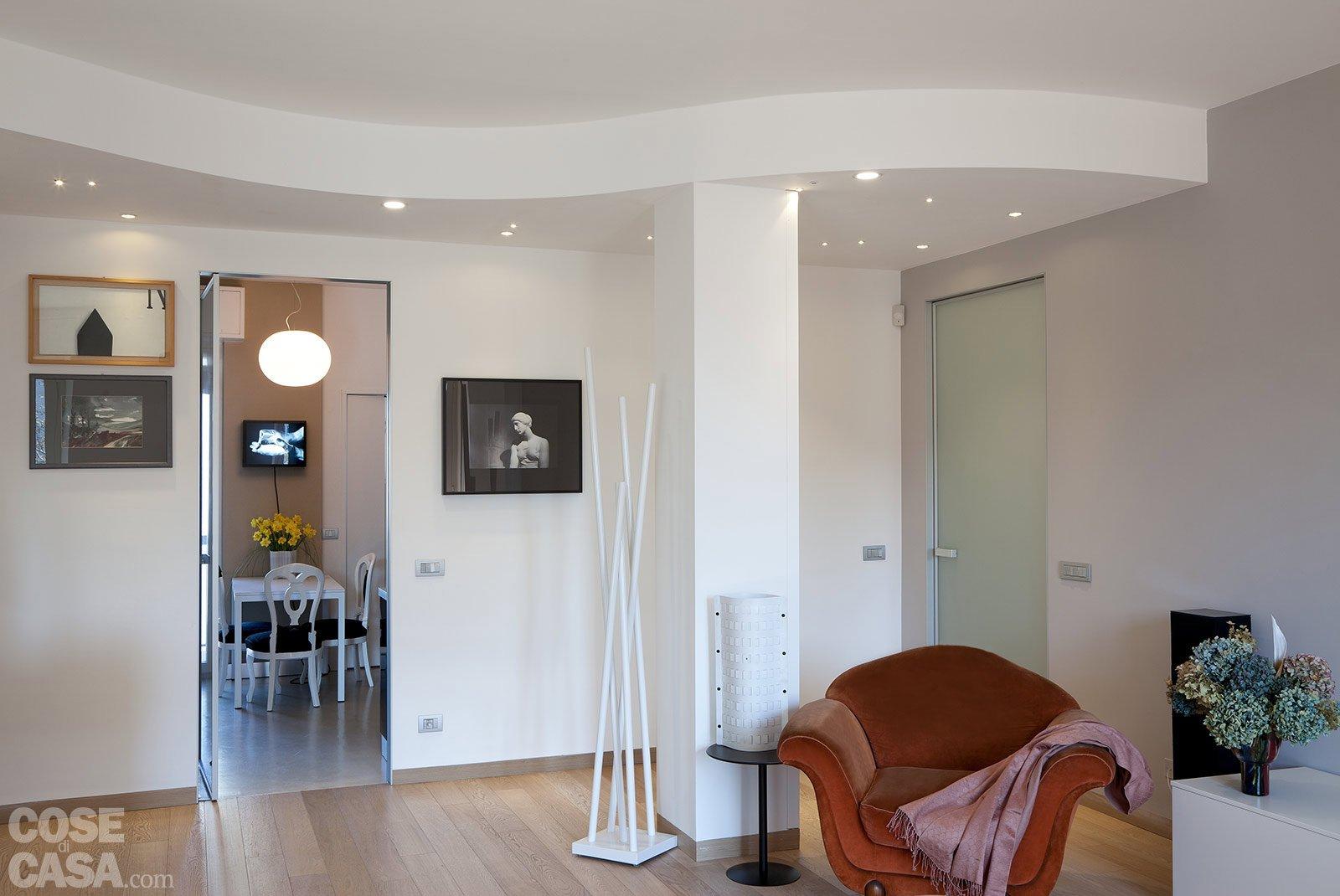 Ambienti contemporanei per una casa di taglio tradizionale for Soluzioni di arredo per soggiorni