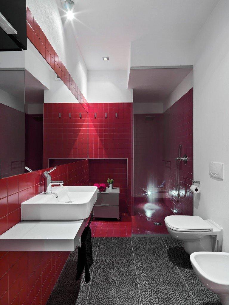 Plafoniera per camera da letto for Bagno rosso