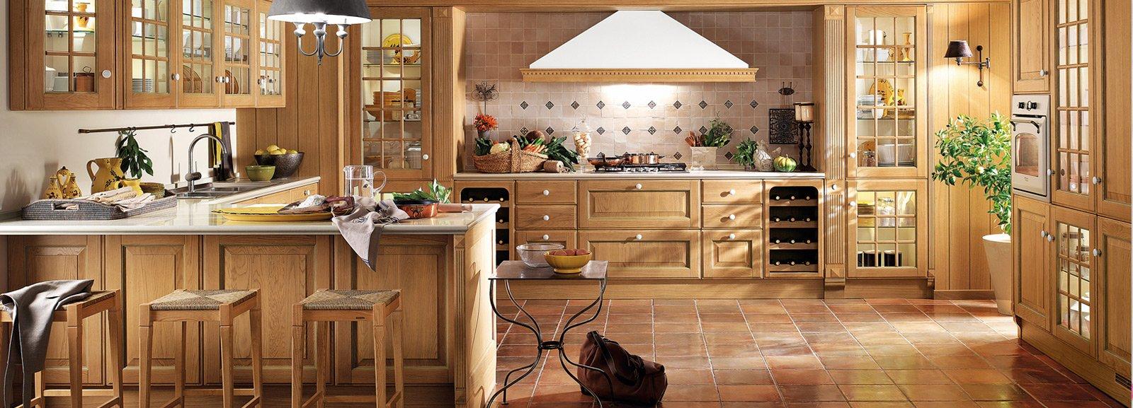 Cucine country stile tradizionale o new classic cose di casa for Rivestimenti per cucine classiche