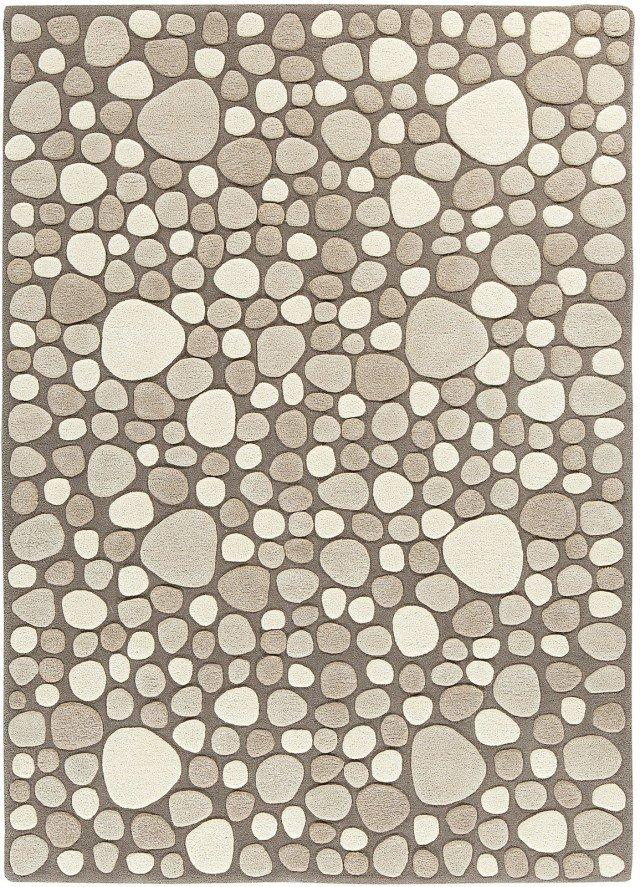 Di provenienza indiana,  il tappeto in lana fatto a mano imitando un acciottolato  è anche su misura.  Vitalize di Persian House  (nella misura 140 x 200 cm costa 893 euro)