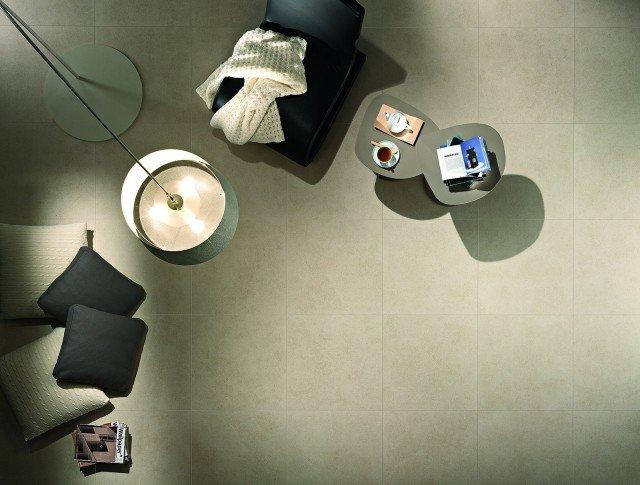 Il pavimento Landscape di Ragno è in gres fine porcellanato doppio caricamento nei colori crema, sabbia, grigio, antracite e nero. È disponibile nei formati rettificati 30 x 60 cm, 60 x 60 cm e 120 x 60 cm (spessore 10,5 mm). Prezzo su preventivo. www.ragno.it