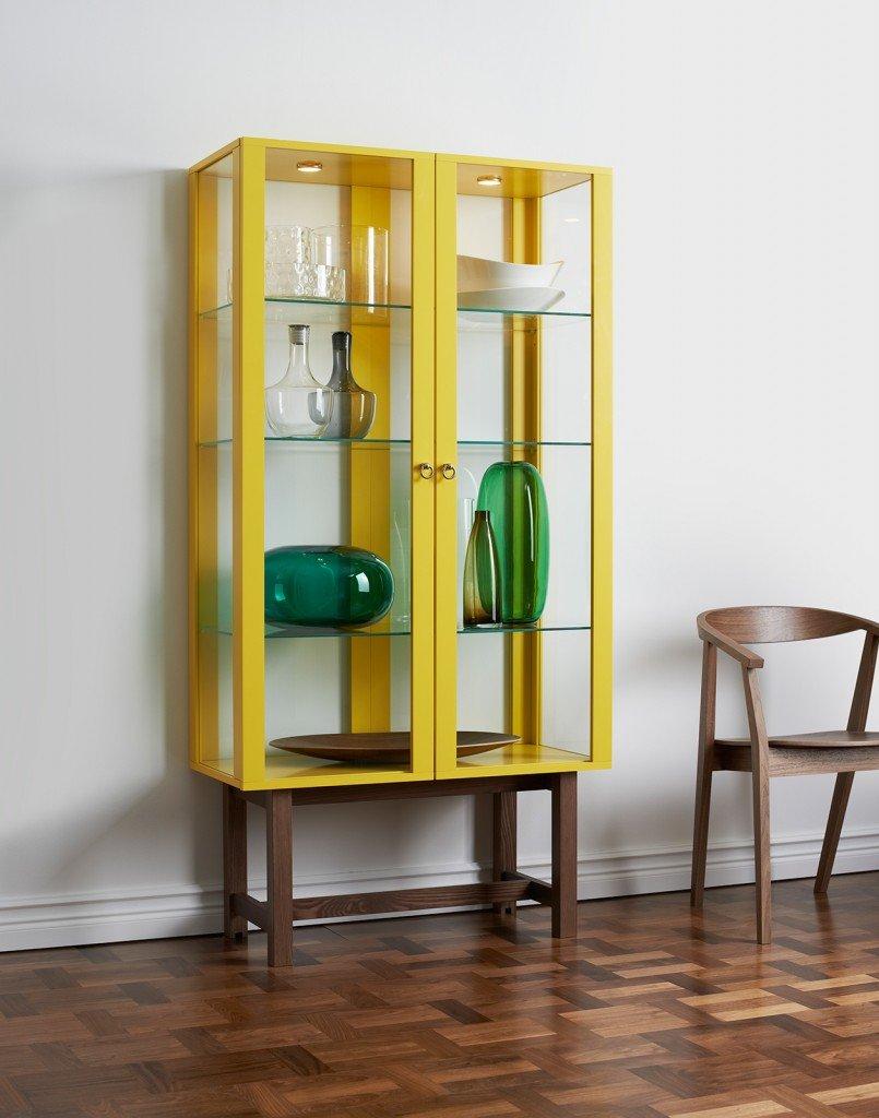 Clicca per ingrandire : Mobile con ante in vetro temprato e struttura