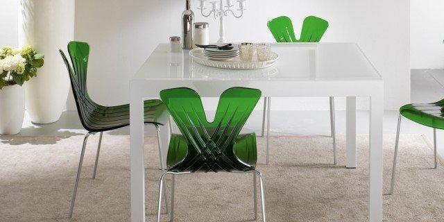 sedie colorate per uno stile pop