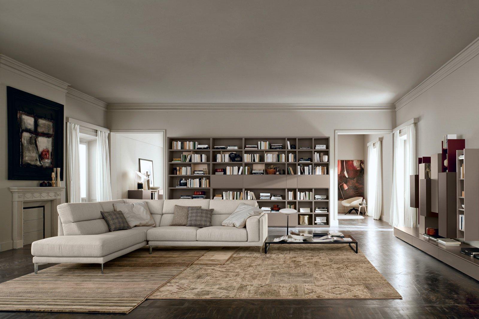 Salone del mobile 2014 le nuove librerie e pareti for Arredamento salone