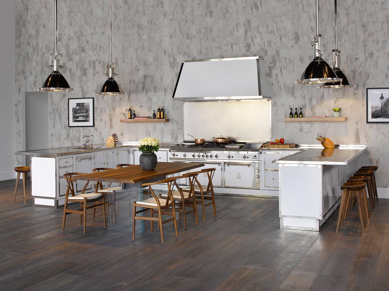 In Ottone E Un Doppio Maxi Forno In Acciaio è Il Fulcro Della Cucina  #A16A2A 1600 1196 Cambiare Colore Al Top Della Cucina