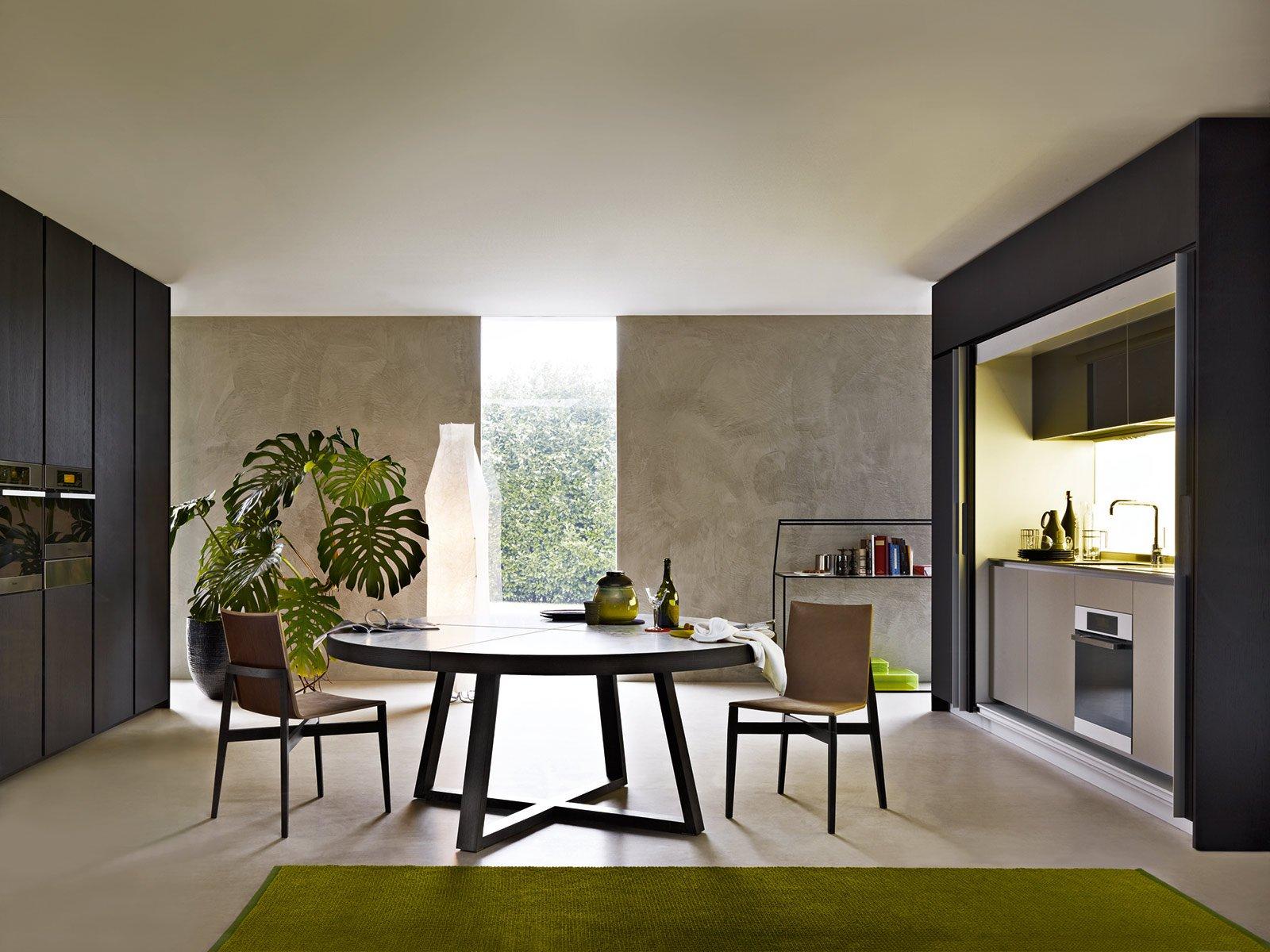 Tavolo da pranzo ovali moderni: tavolo da pranzo con piano vetro ...