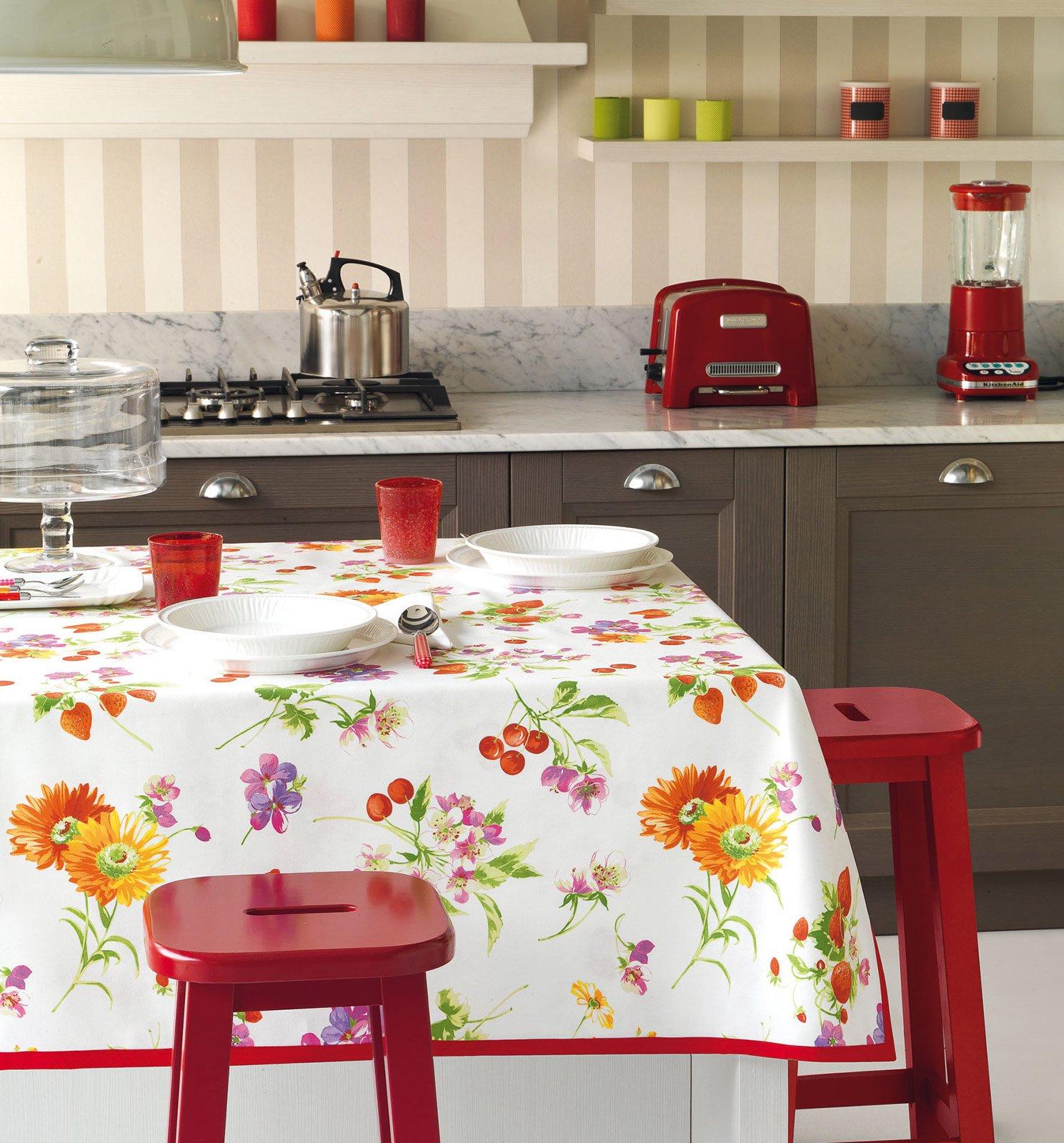 Tovaglie per apparecchiare con fantasia in cucina o in - Stoffe per tovaglie da tavola ...