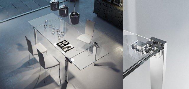 La linearità e semplicità formale del tavolo Giravolta di Riflessi cela una profonda ricerca tecnologica per mettere a punto il meccanismo di rotazione di 180° delle allunghe laterali in cristallo del tavolo. La straordinaria leggerezza del piano in cristallo si fonde con la solidità dell'acciaio delle gambe, il cui risultato è la perfetta simbiosi dei due materiali. Misura: chiuso L 160 x P 90x H75 cm; aperto L 140/220 x P 90 x H 75 cm; aperto L 200/240 x P 90 x H 75 cm. Prezzo 2.867 euro: www.riflessisrl.it