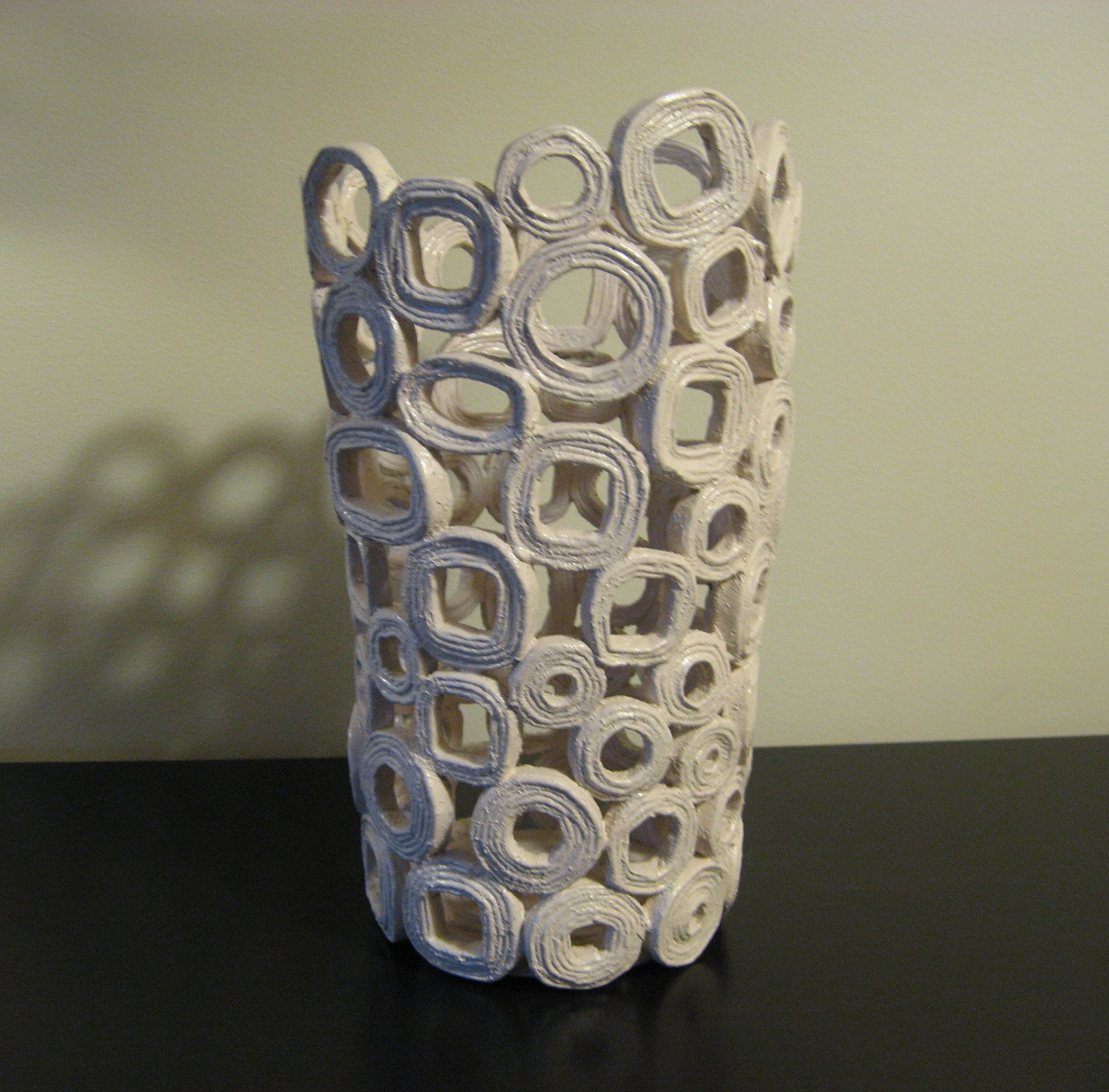 Con carta di riciclo cestini ciotole e vasi decorativi for Cestini fai da te