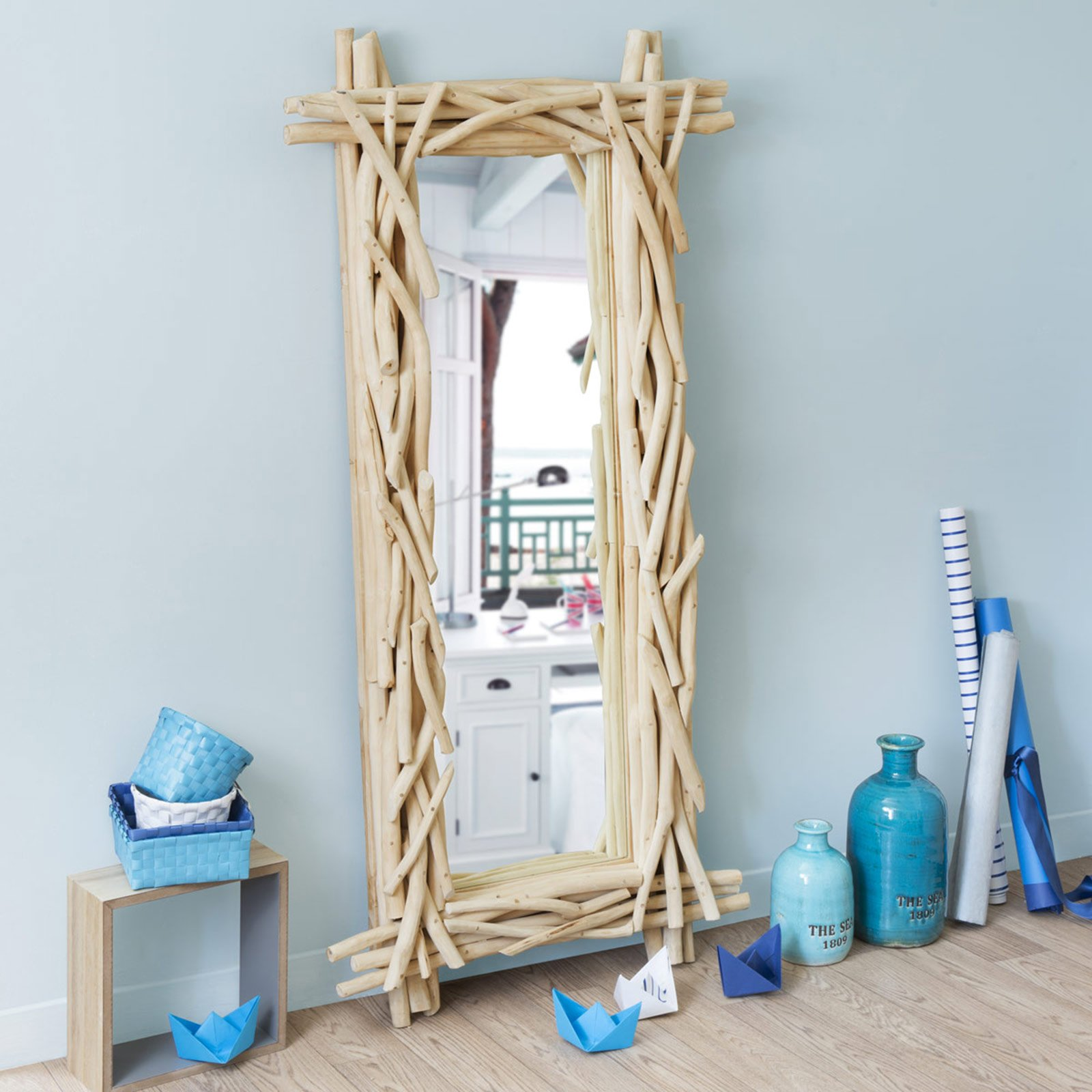 Specchi questione di riflessi cose di casa - Specchio in legno ...