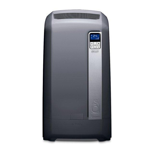 Grazie alla tecnologia Acqua-Aria, che utilizza cioè l'acqua come smaltitore del calore quando l'aria calda entra in contatto con il condensatore, il Pinguino WE127ECO di Dè Longhi raggiunge la classe di efficienza energetica A+. L'acqua può essere versata o rabboccata in qualsiasi momento grazie alla tanica estraibile che contiene fino a 10 litri. Inoltre è dotato di filtro polvere lavabile e della funzione di sola deumidificazione. Misura L 50,5 x P 40 x H 91 cm. Prezzo 850 euro. www.delonghi.com