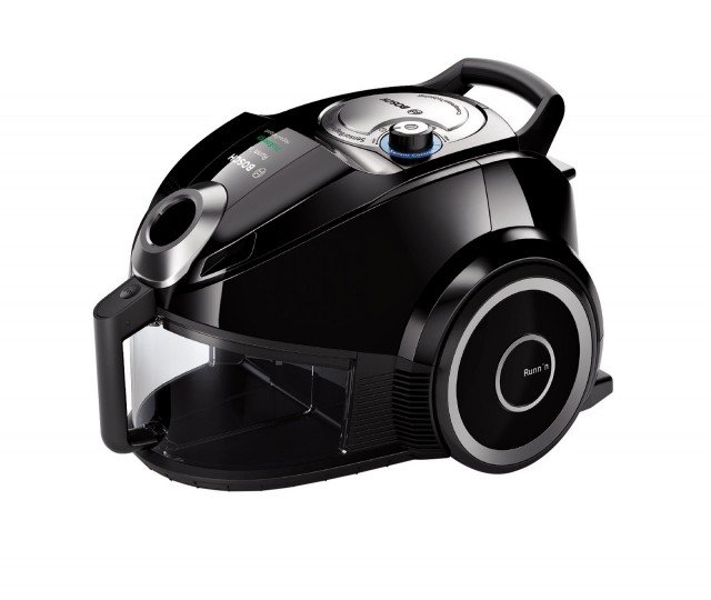 L'aspirapolvere a carrello senza sacco Runn'n  BGS41267 di Bosch ha regolazione automatica della potenza e impugnatura ergonomica. Ha sistema che avvisa quando il filtro è da pulire per ridurre lo sforzo del motore. Consente un risparmio energetico fino al 50%. Prezzo 249,90 euro. www.bosch.it