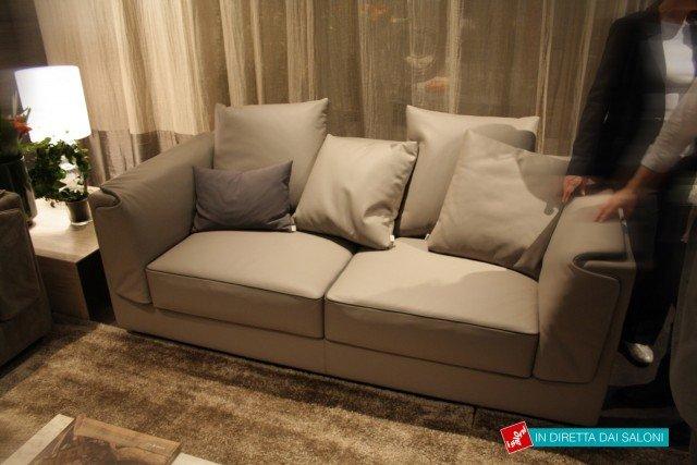 I nuovi divani in linea presentati al salone del mobile - Divano letto quadrato ...