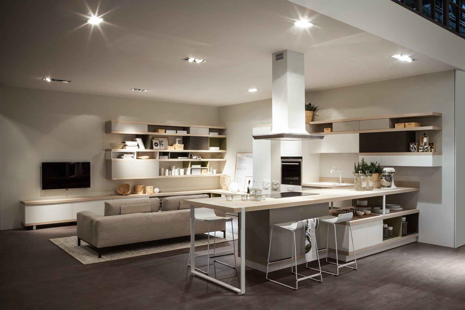Cucina e soggiorno openspace funzioni divise o spiccata - Come disporre la cucina ...