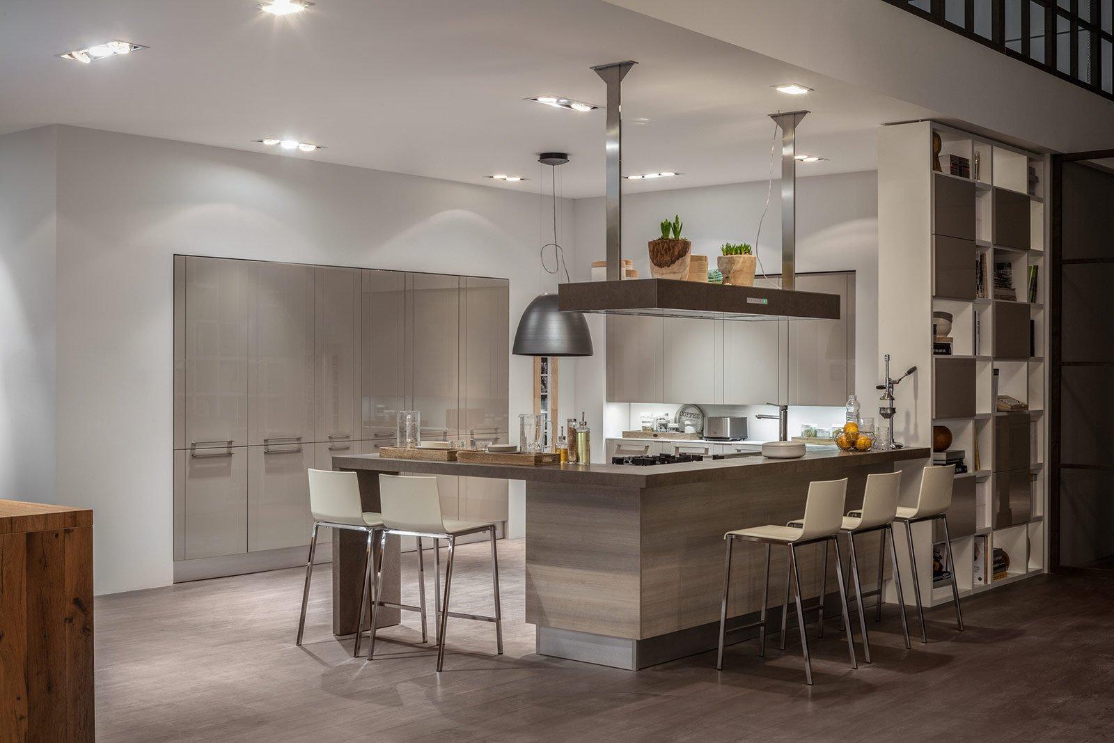 Open Space Cucina Soggiorno Con Gli Stessi Colori Di Arredo E Delle  #A87323 1600 1067 Come Arredare Cucina Soggiorno Open Space