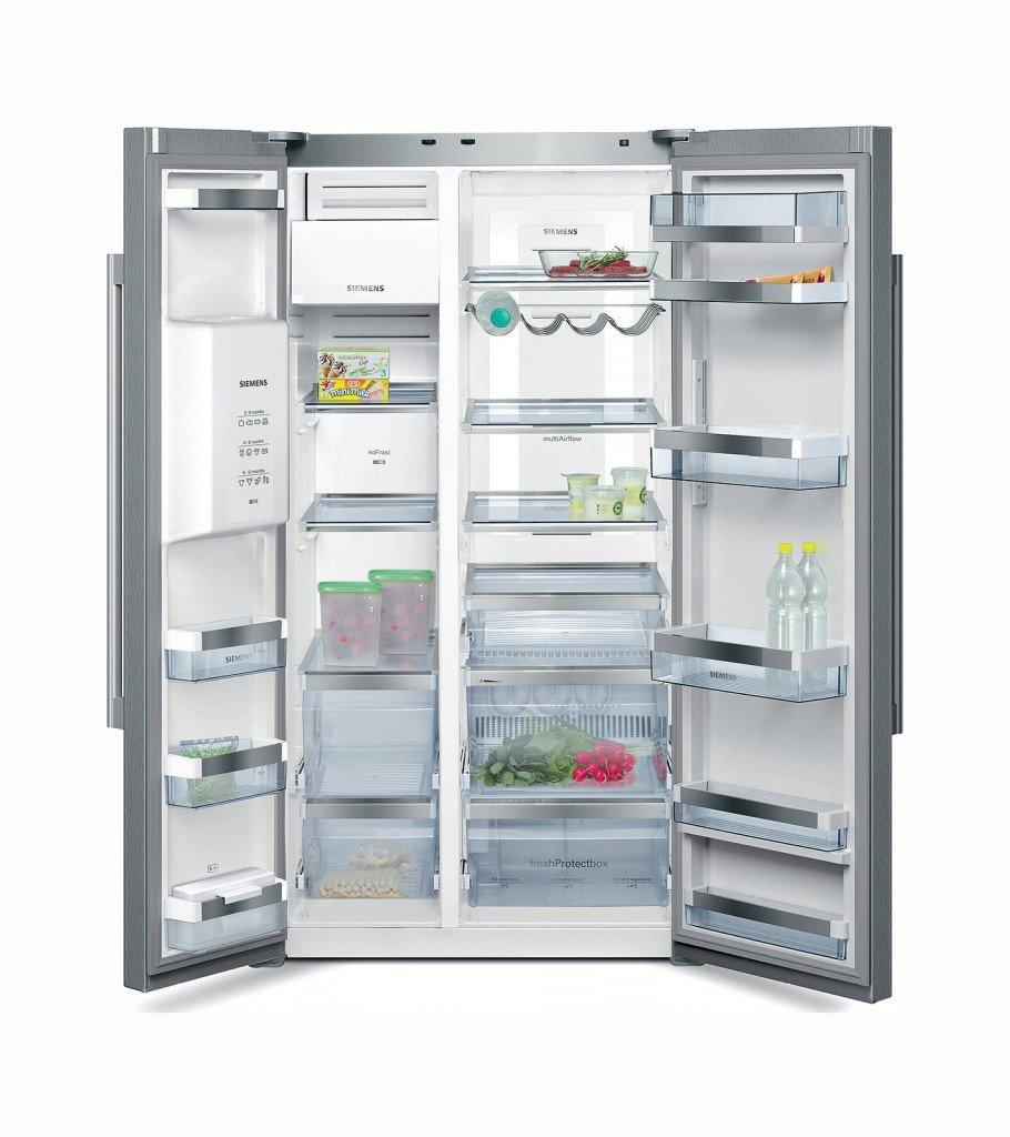 frigo e congelatore modelli maxi a tre porte side by side cose di casa. Black Bedroom Furniture Sets. Home Design Ideas