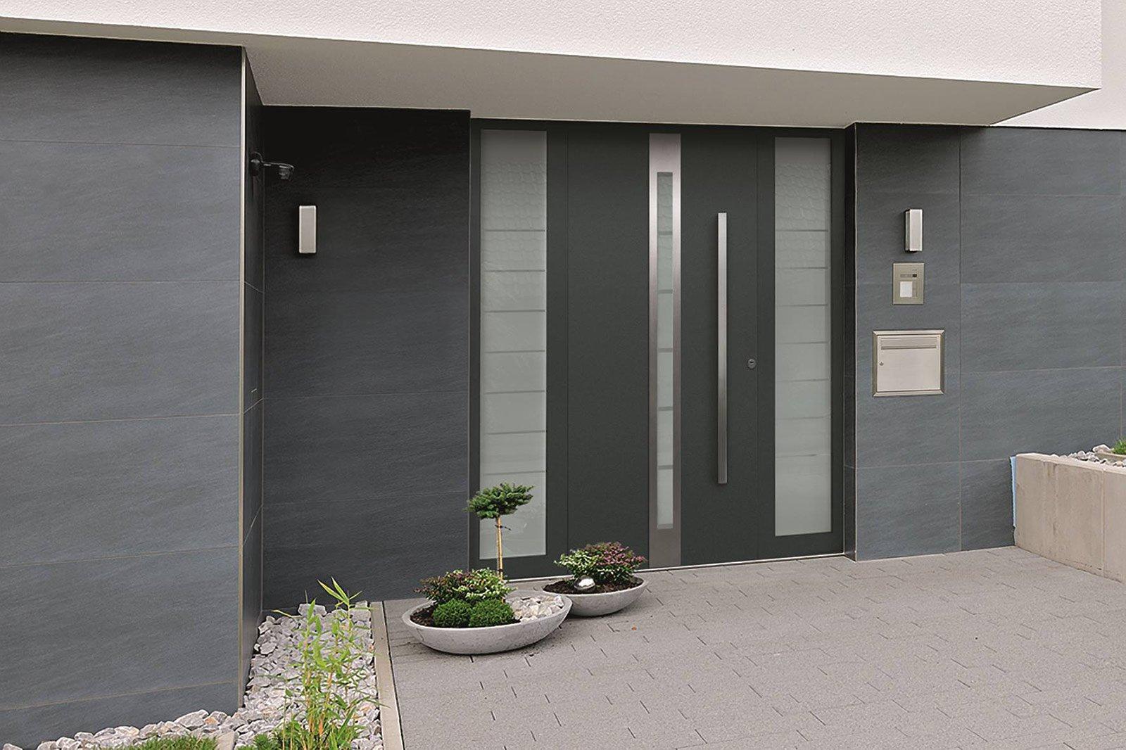 Porte e portoni a condizioni vantaggiose cose di casa for Ingresso casa moderno