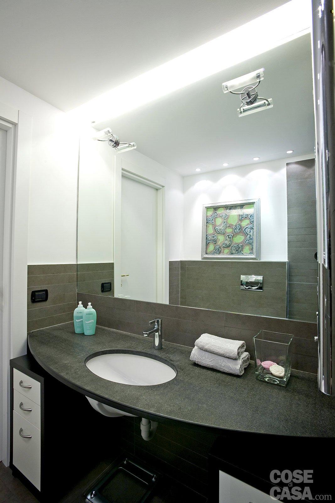 Una casa mini con curve e nicchie risolutive cose di casa for 2 bagni piccola casa