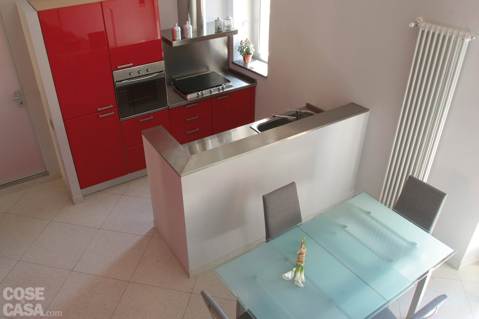 Una casa di 55 mq in rosso cose di casa - Piastrelle su cartongesso ...