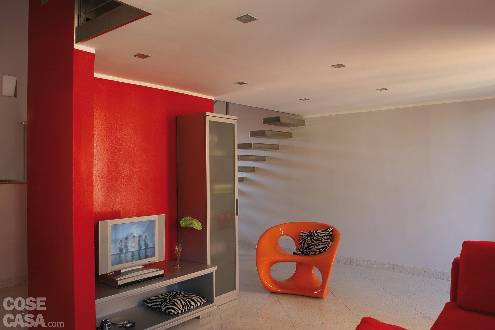 Una casa di 55 mq in rosso - Cose di Casa