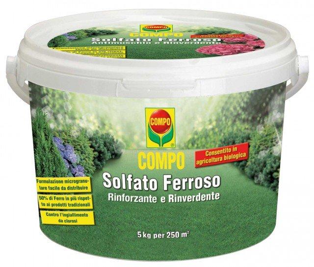 Compo Solfato Ferroso è un concime a base di ferro dall'efficace azione contro il muschio oltre che rinverdente. Conf. da 5 kg costa 9,80 euro di Compo - www.compo-hobby.it