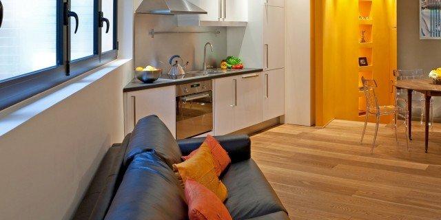 Una casa mini. Con curve e nicchie risolutive